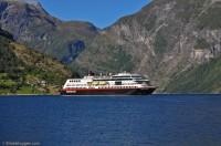M/S Trollfjord i Geiranger