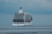 Seven Seas Voyager på besøk i Nevlunghavn 2007