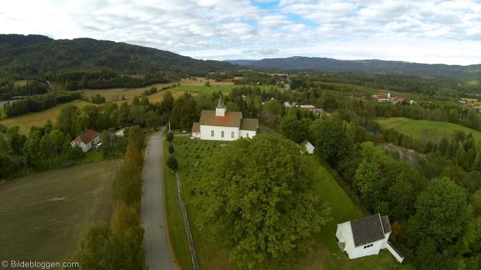 Flyfoto-Hof-Kirke-1