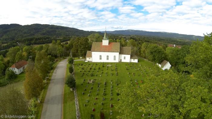 Flyfoto-Hof-Kirke-2